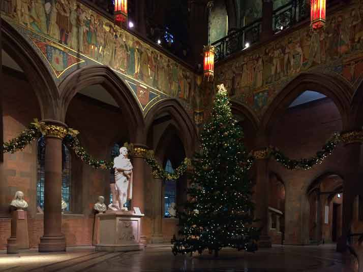 Burns Statue Portrait Gallery Christmas